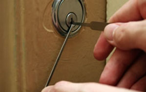 Door locks Horbury